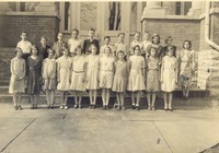 Black-and-white photo of grade school students in the 1930s