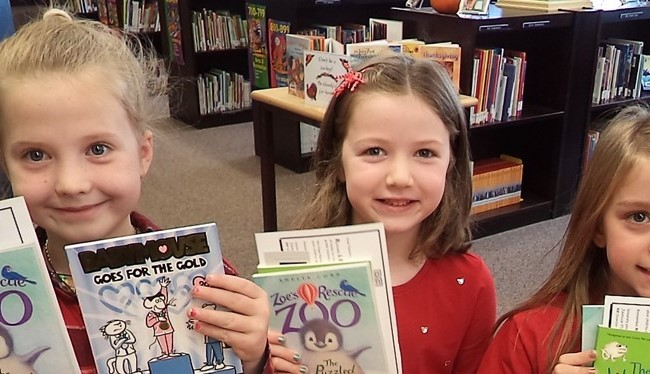 Valleyview Students celebrate Free Books at RIF