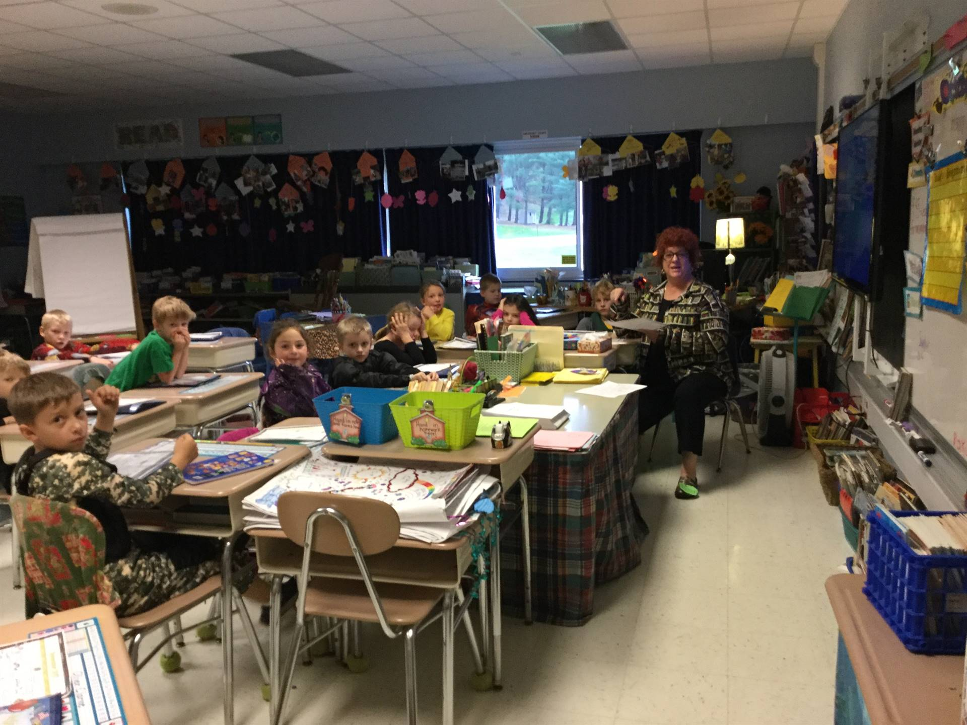 Ms. Frizzle takes over Mrs. Downie's second grade class