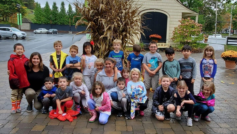 First grade class on a field trip